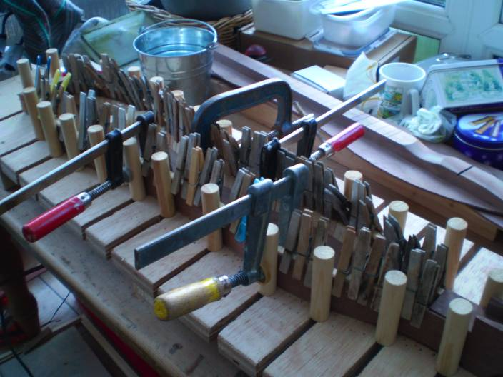 Pegs Galore hold the top kerfing in whilst glueing.